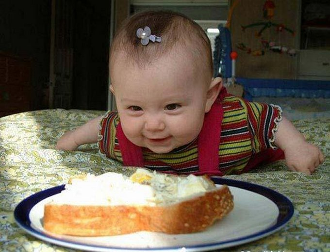 baby eating funny pictures