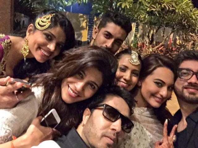 bollywood stars group photos with Sonakshi