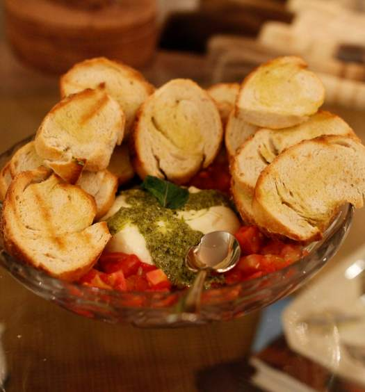 bruschetta-burrata-tomate