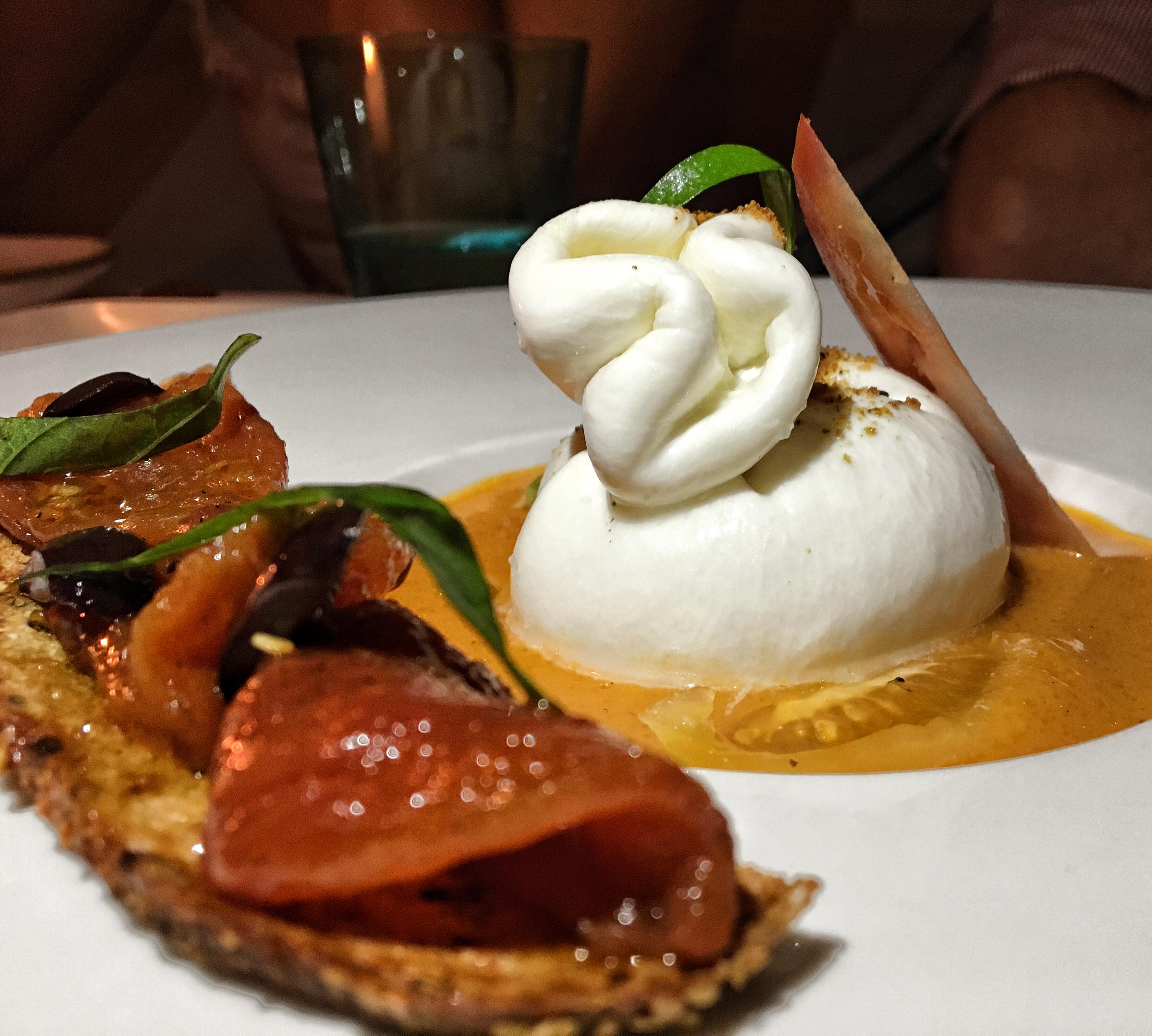 Burrata com tomate Confit