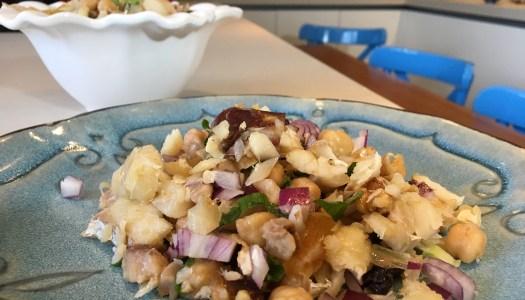 (Português do Brasil) Salada de Bacalhau com frutas secas para o natal