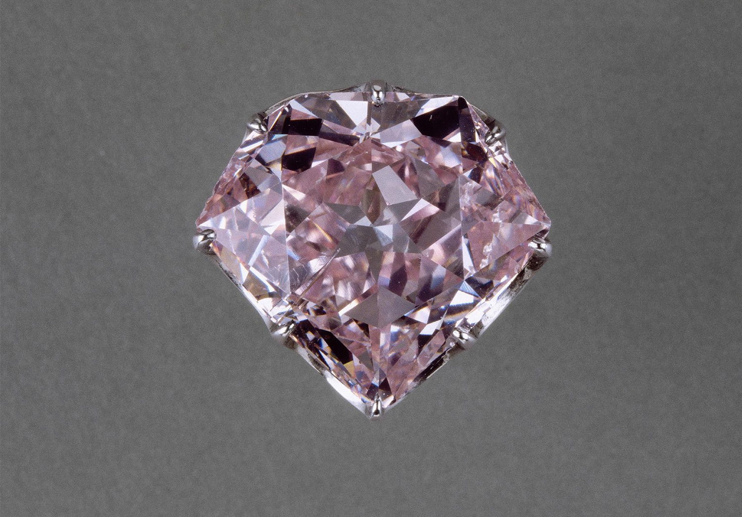 Diamant Rose L 39hortensia Un Diamant Rose De La Couronne De France