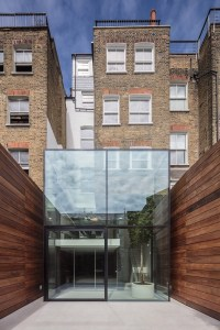 Victorian Remix: London Home Extended with a Glass Box and