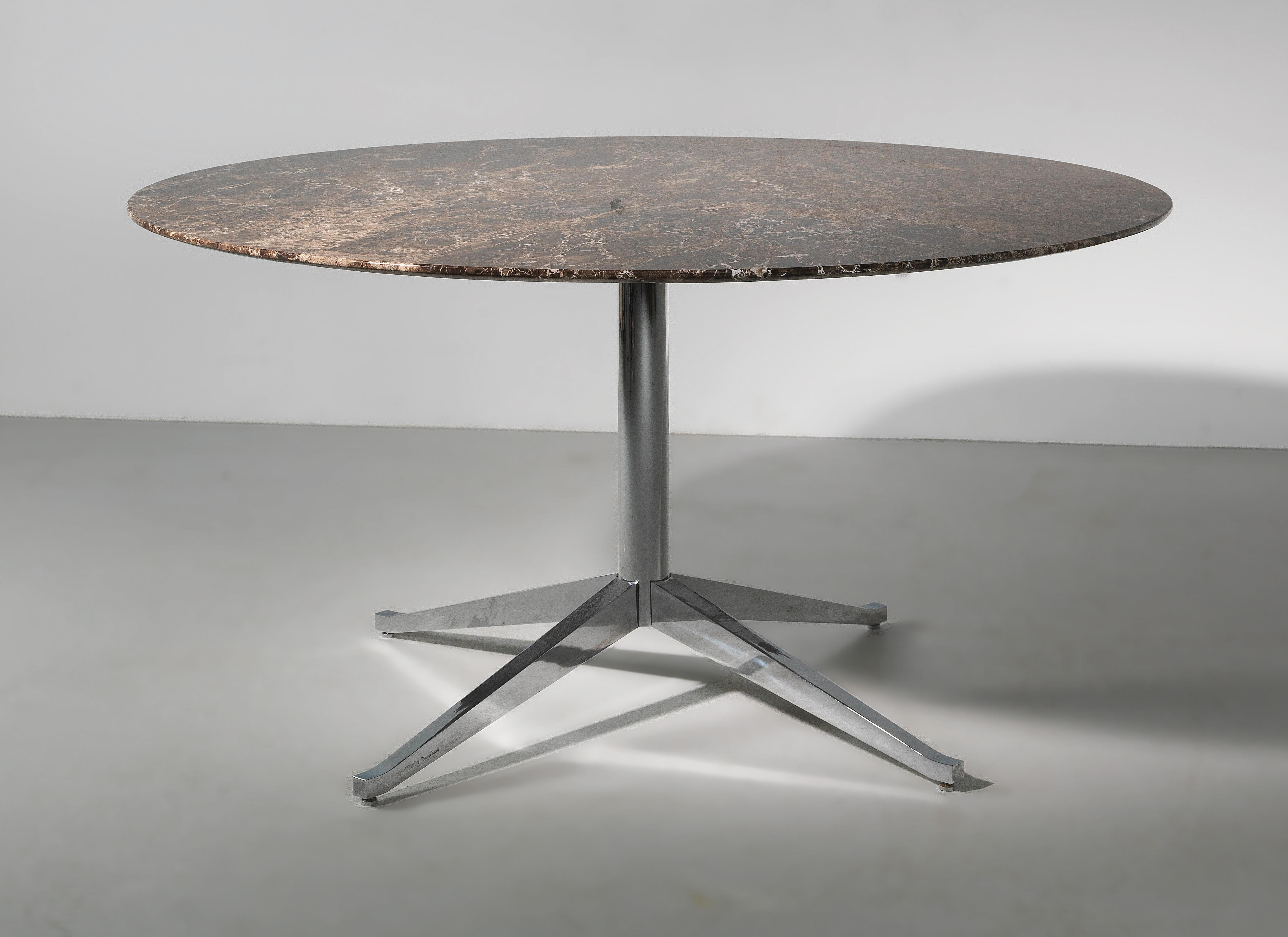 Marmortisch Cafe A Circular Marble Table Designed By Florence Knoll In 1961