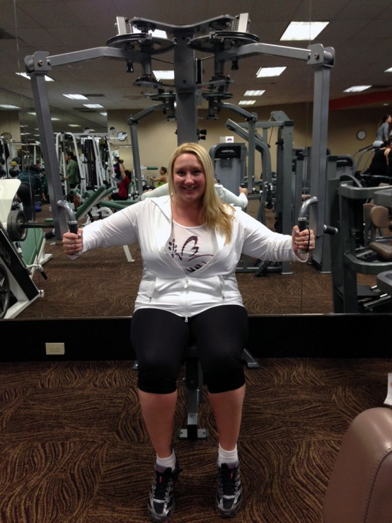 Rockin' my Taffy Activewear at the Shoulder Press