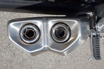 2014 Kawasaki Ninja 1000 exhaust pipes