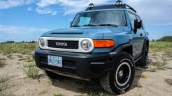 2014 Toyota FJ Cruiser front 1/4