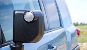 2014 Toyota FJ Cruiser mirror and side profile