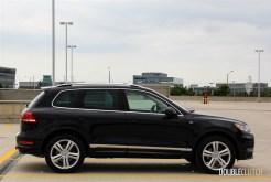 2014 Volkswagen Touareg TDI side profile
