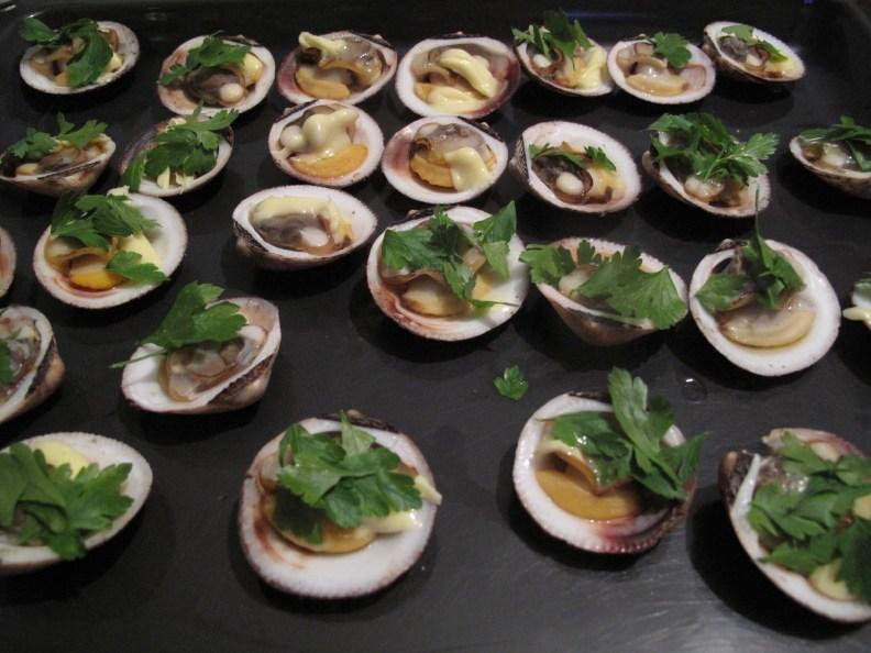 Amandes de mer persillées 香芹烤蛤蜊