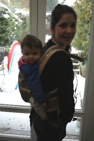 235df56261a Test produit   le porte bébé physiologique de Babymoov