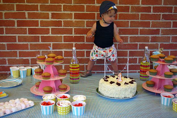 La f te d 39 anniversaire de little s doudou stiletto - Table d anniversaire 1 an ...