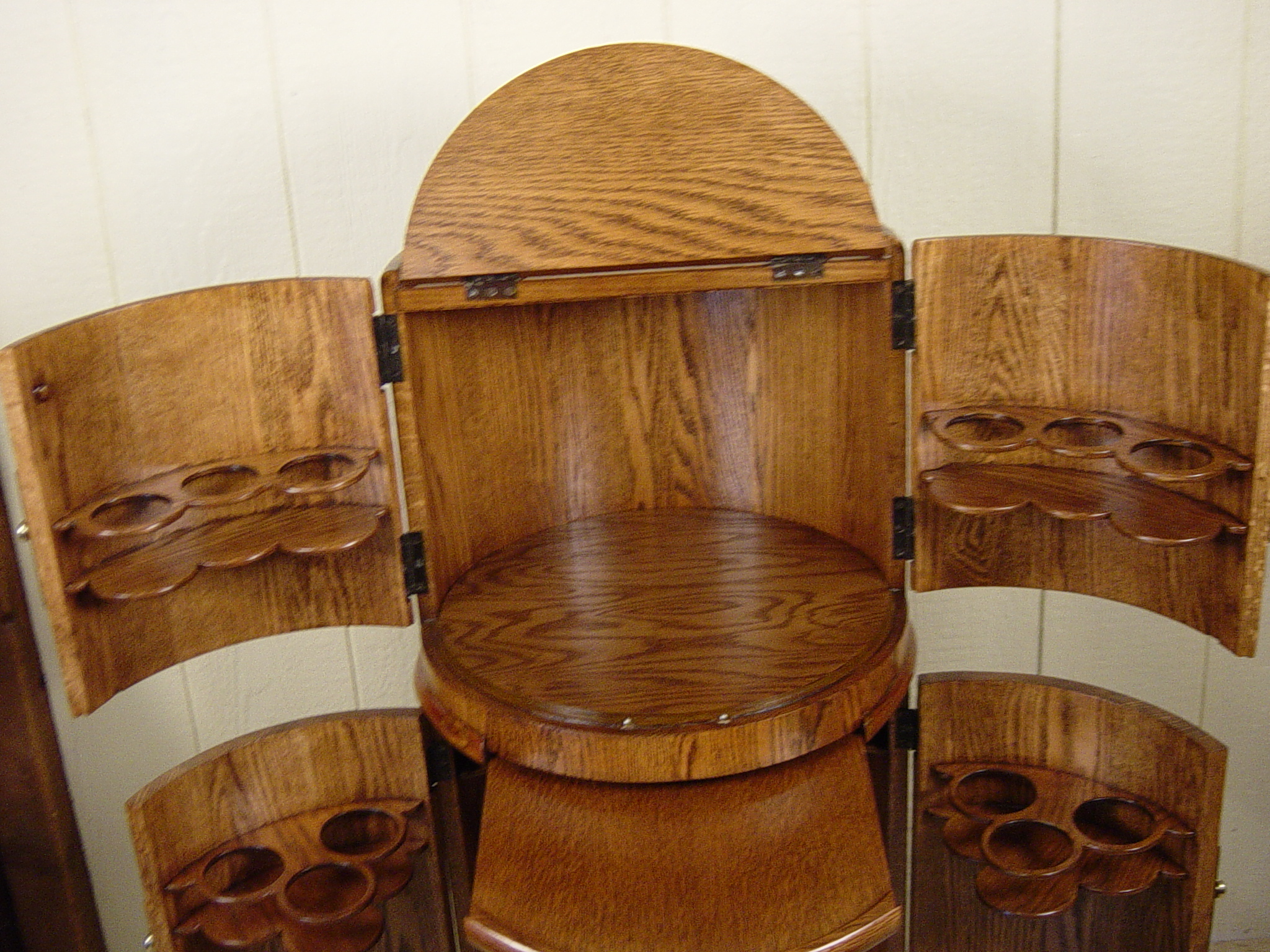 Www Check 24 Round Barrell Shaped Liquor Cabinet