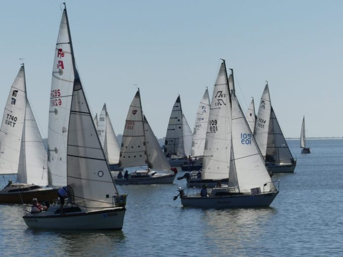 Division 3 off the start line in Milang. Photos: Chris Caffin