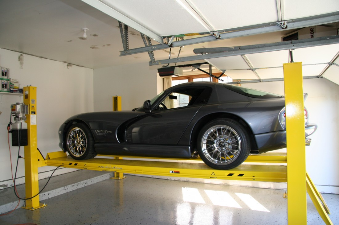 Garage Car Lift For Storage Michigan Car Lifts Post Lifts For Garage Dows Equipment Services