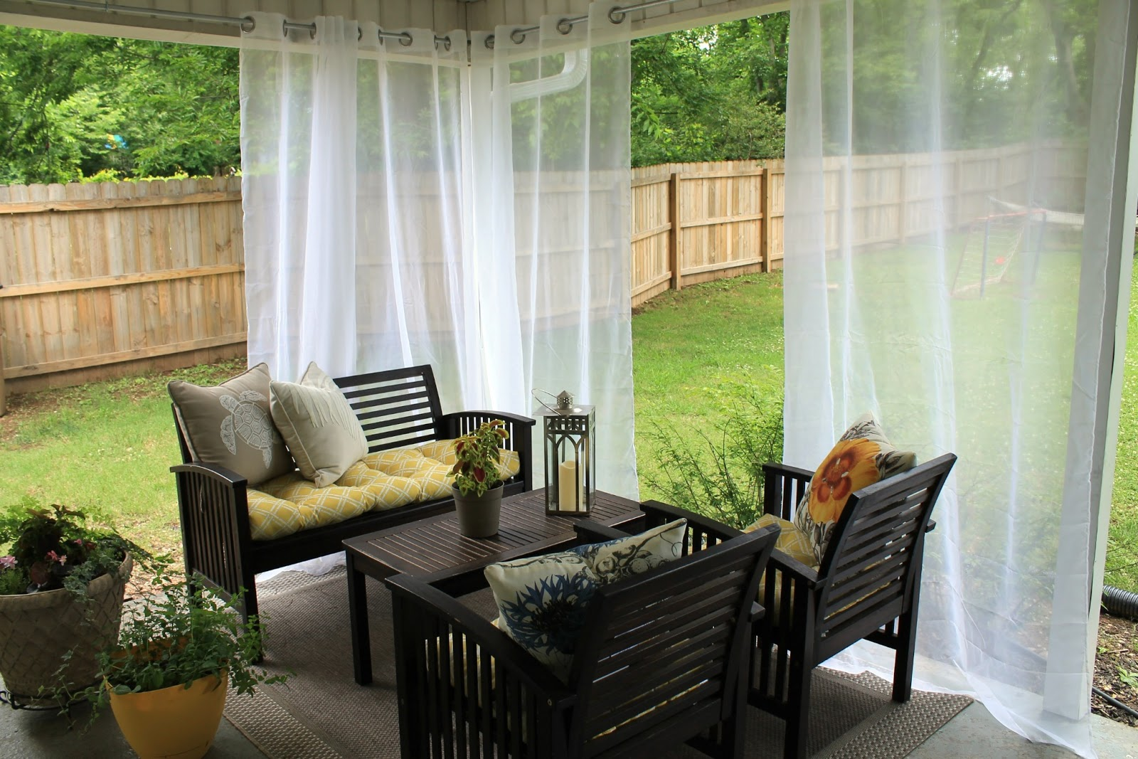 Different Types Of Outdoor Curtains That Ensure Privacy