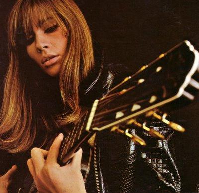 francoise-hardy-guitar-2