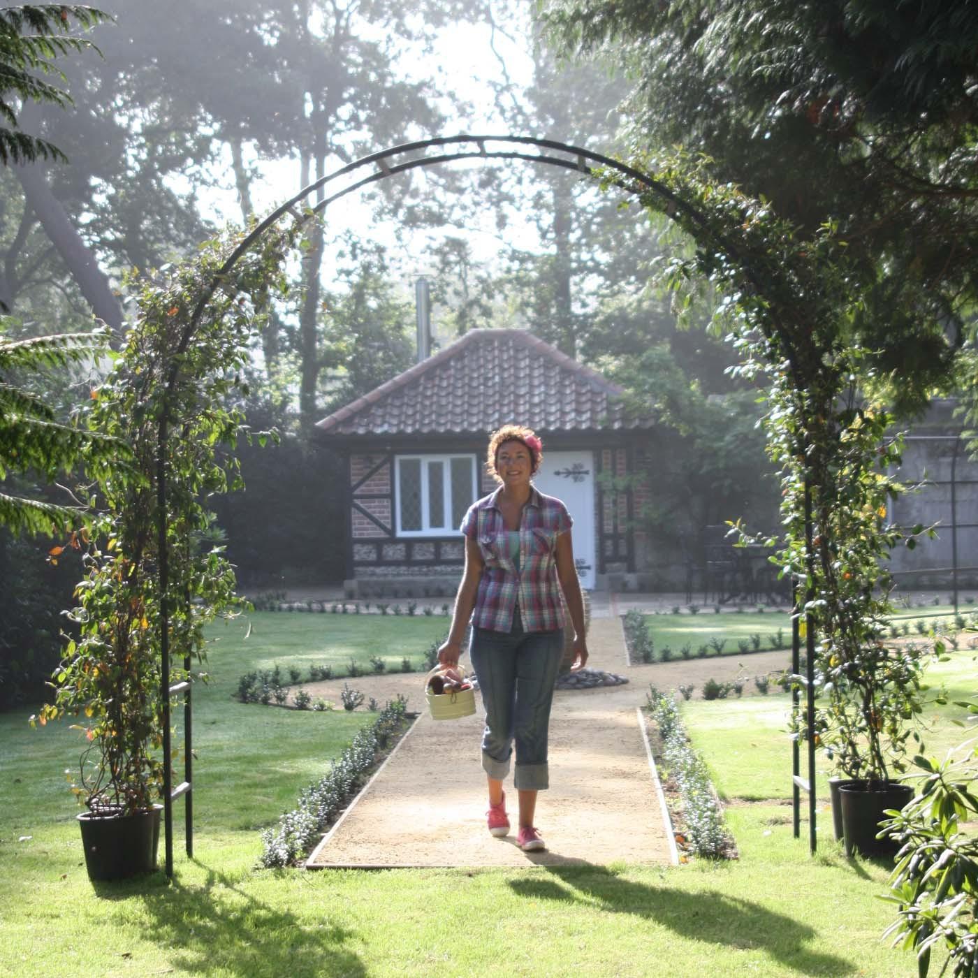 Freistehendes Spalier Bauen Beleuchtung Und Wasseranschluss Garten