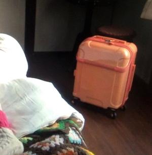 引っ越し用のスーツケース