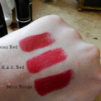 Review : MAC Salon Rouge Holiday Lipstick