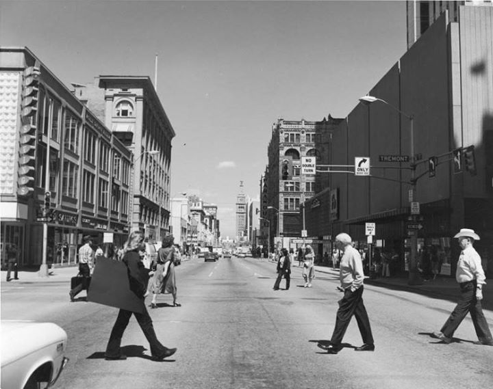 02-16th-Street-Mall-in-1979_credit_Denver-Public-Library-Western-History-Department