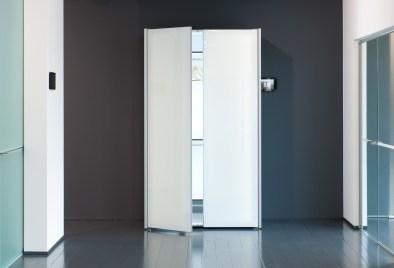 vestiaire met glazen deuren