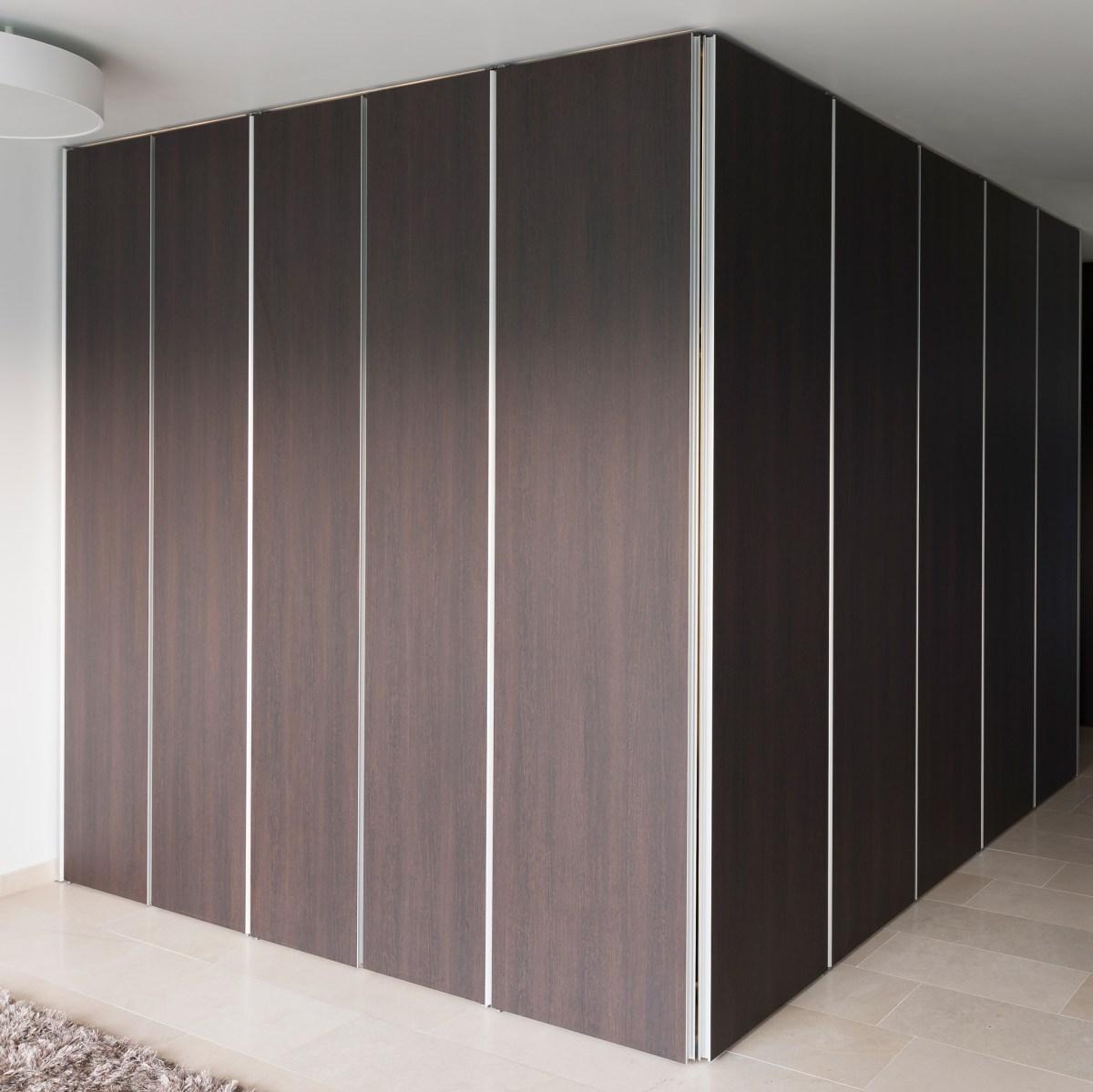inbouwkast met greeploze kastdeuren
