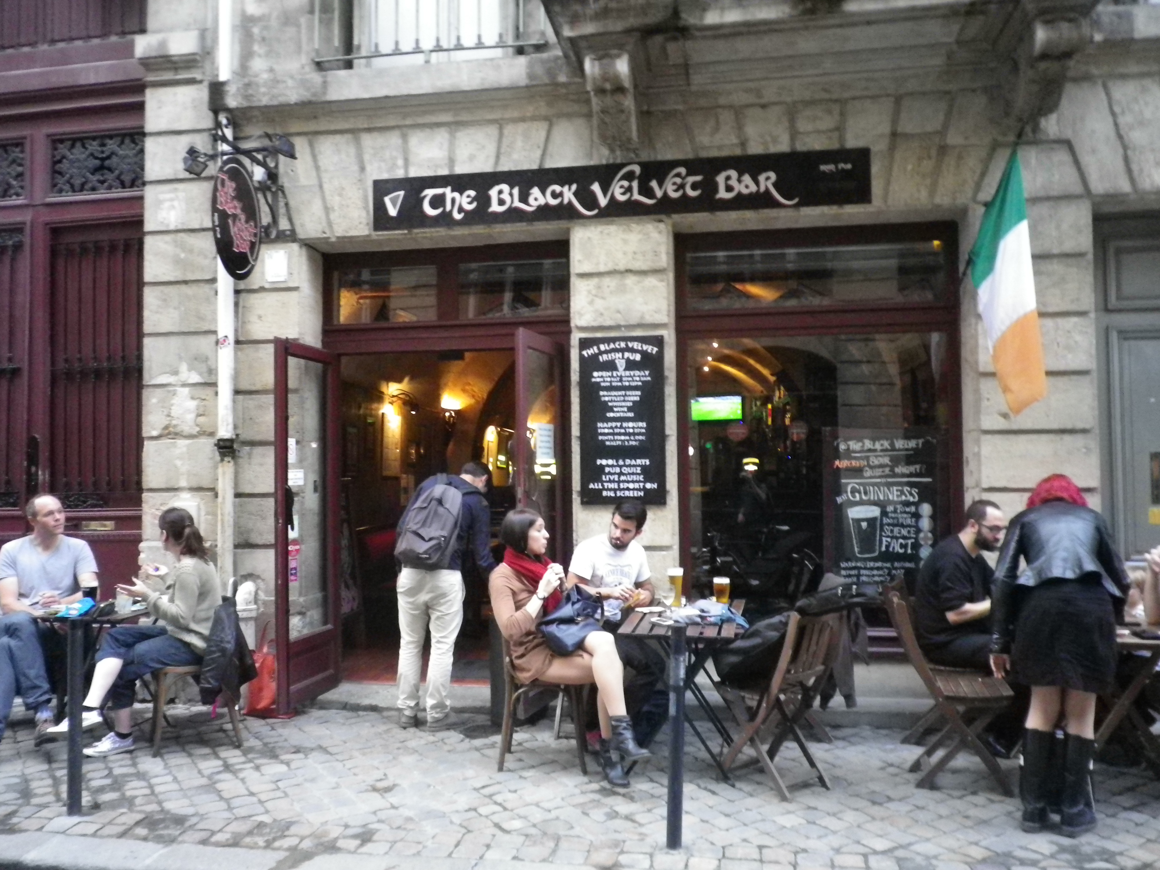 Black List Bordeaux English Bars In Bordeaux Also Featuring Irish Pubs Drinking It