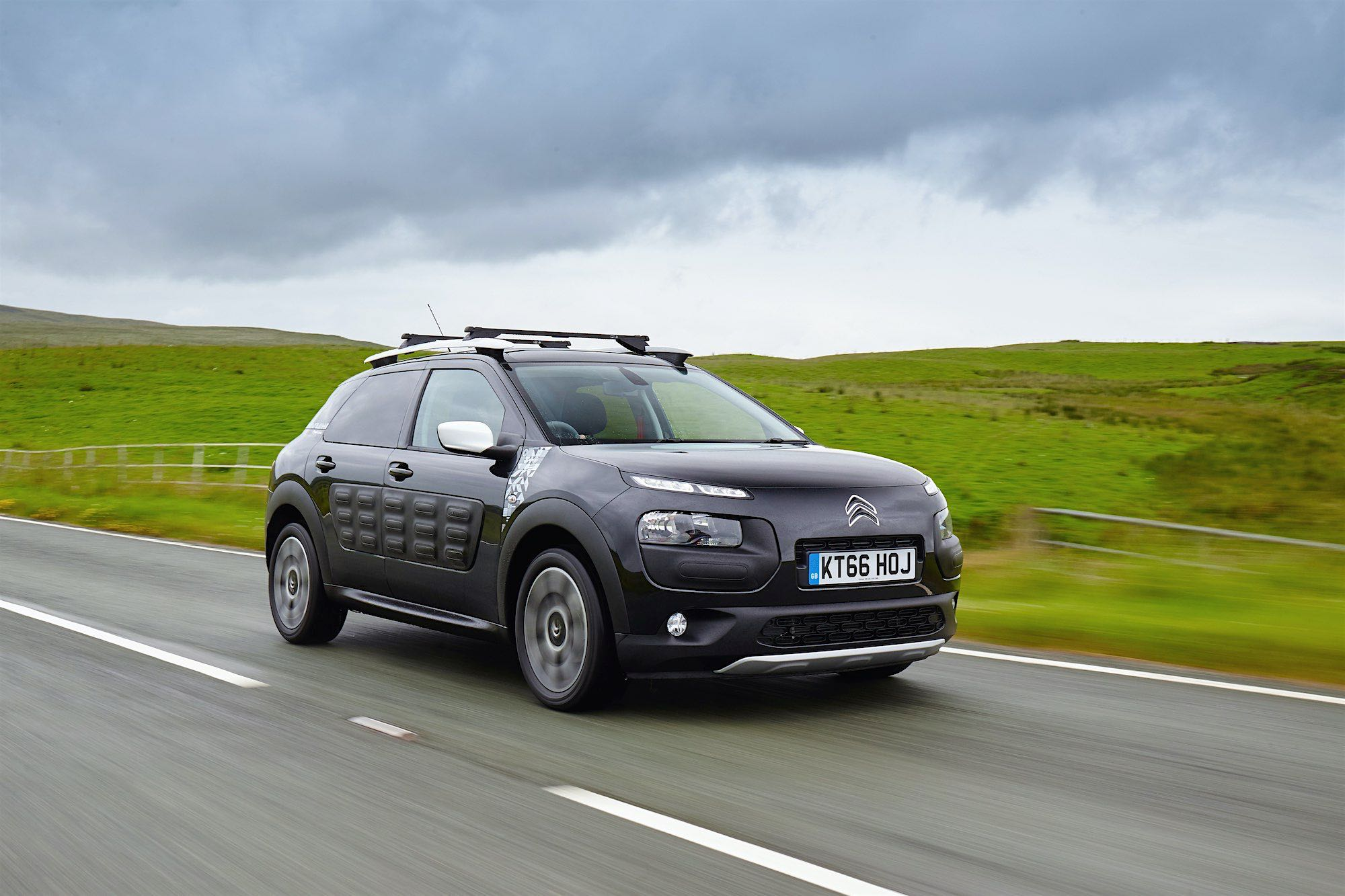 Low Emission Cars No Road Tax Drive Co Uk On The Road In The Citroen C4 Cactus Rip