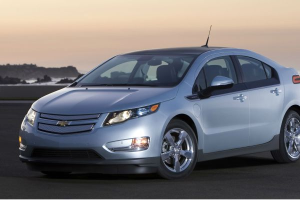 GM is taking on Tesla with the affordable Chevrolet Bolt
