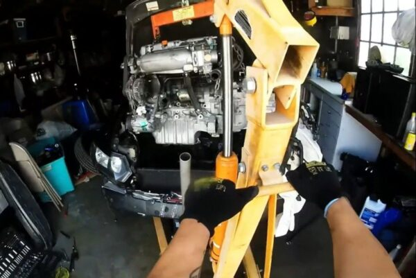 JDM K24A SWAP 8TH GEN CIVIC SI \u2013 Part 2 Engine Removal \u2013 DrivewayBuilt