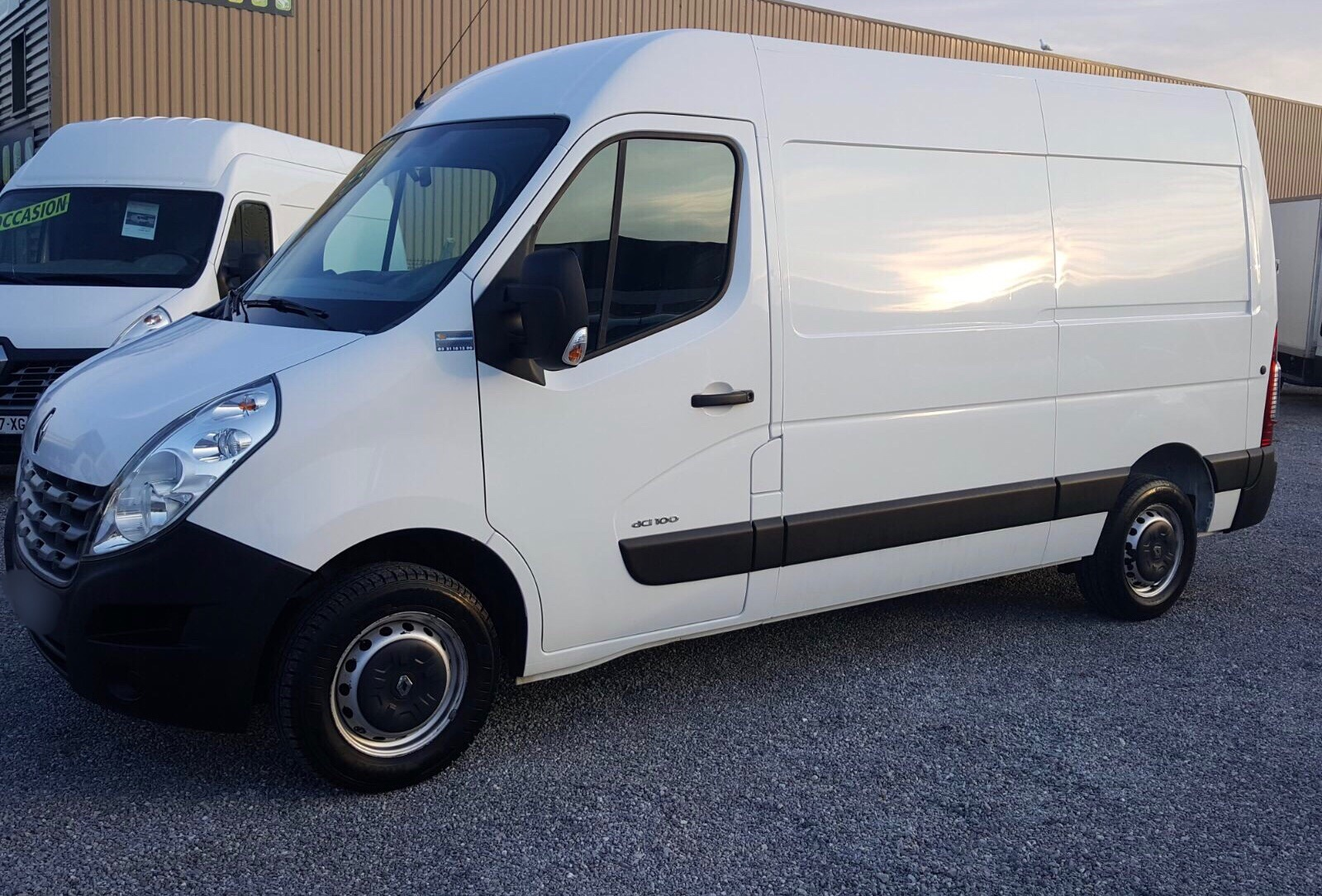 Location Utilitaire Dimanche Renault Master 3