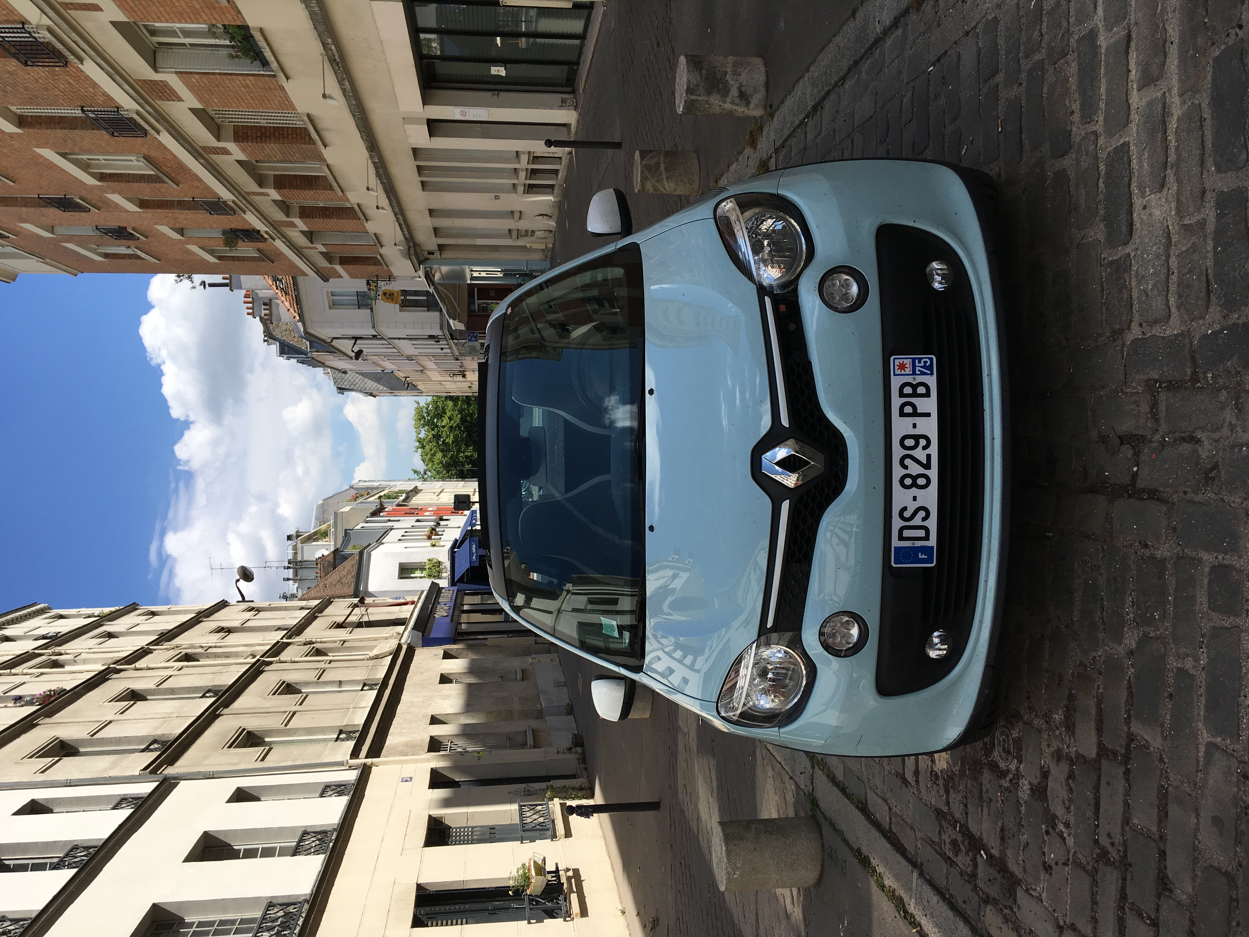 Location Parking Paris 16 Renault Twingo 90ch Toit Ouvrant