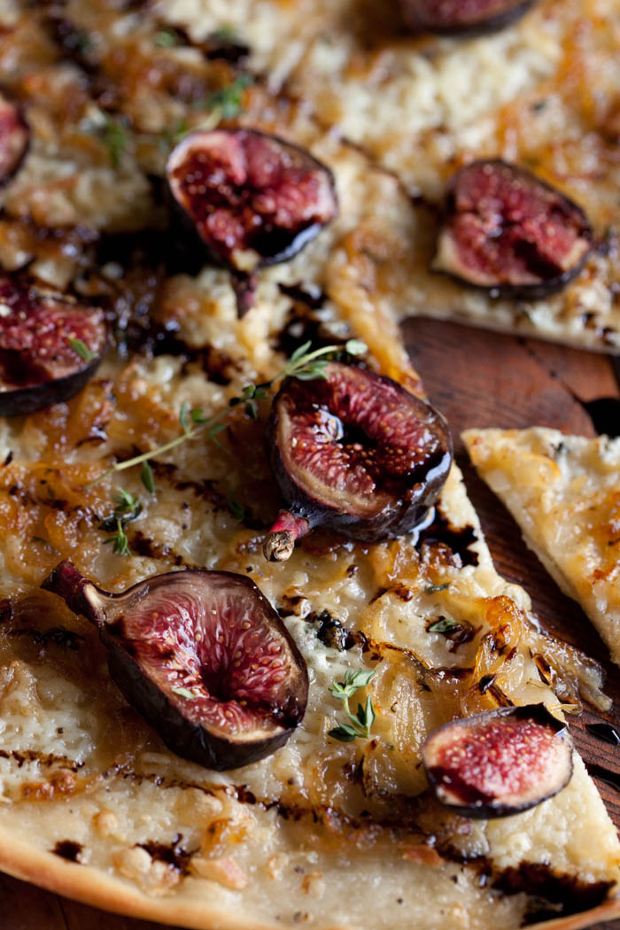 pizza bianco with blue cheese, fig and balsamic