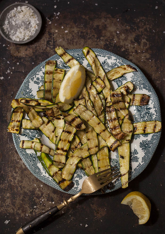 grilled zucchini slices with lemon
