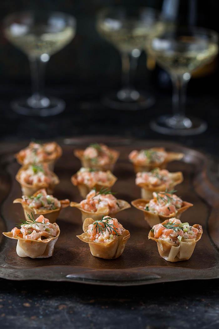 salmon tartare in wonton cups
