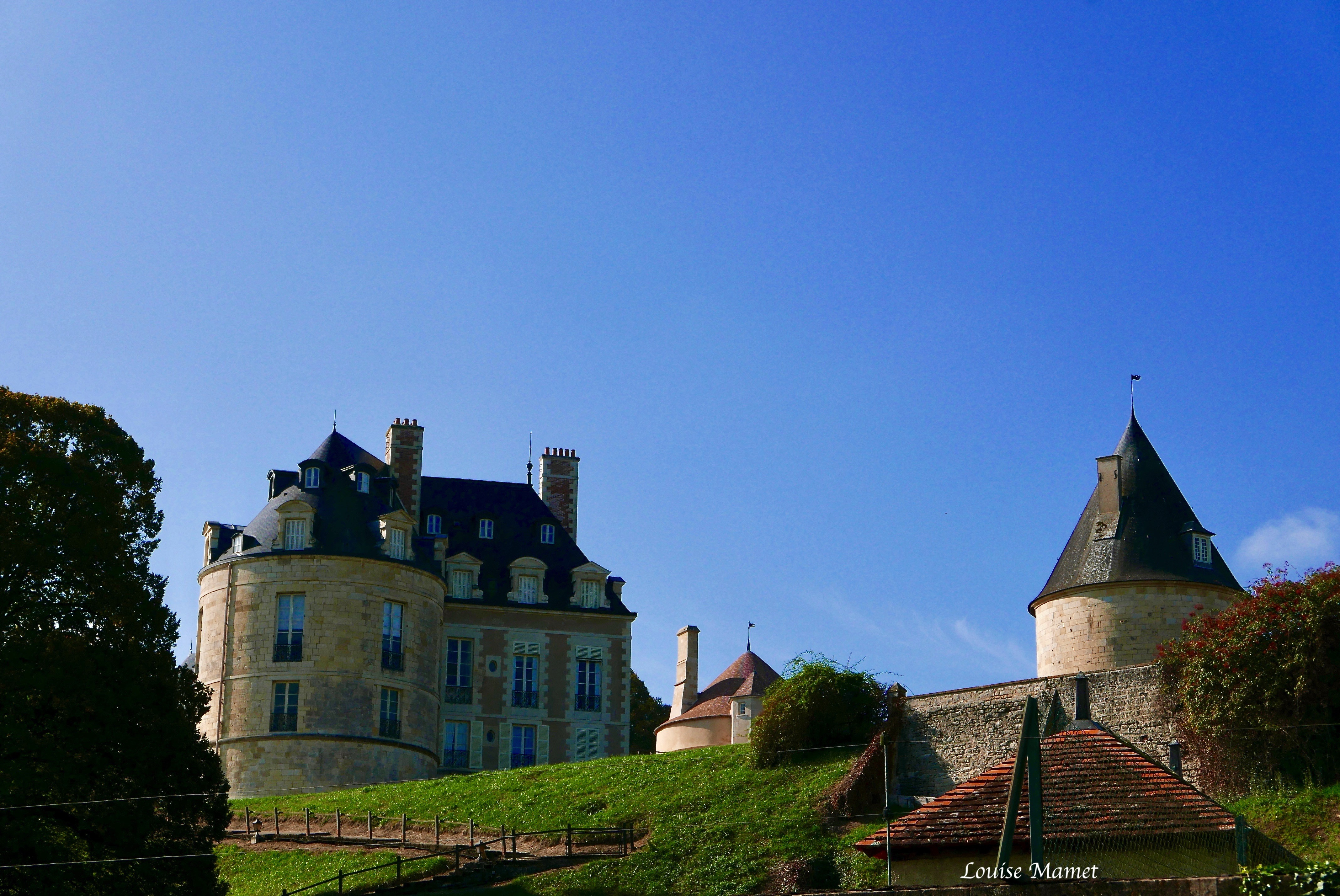 Apremont Sur Allier Chateau Apremont Sur Allier Drops Of Everything