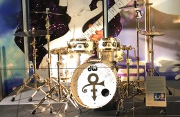 FEATURED-IMAGE_Bruno-Mars'-GRAMMY-Prince-Tribute-DW-Collectors-Series-Kit