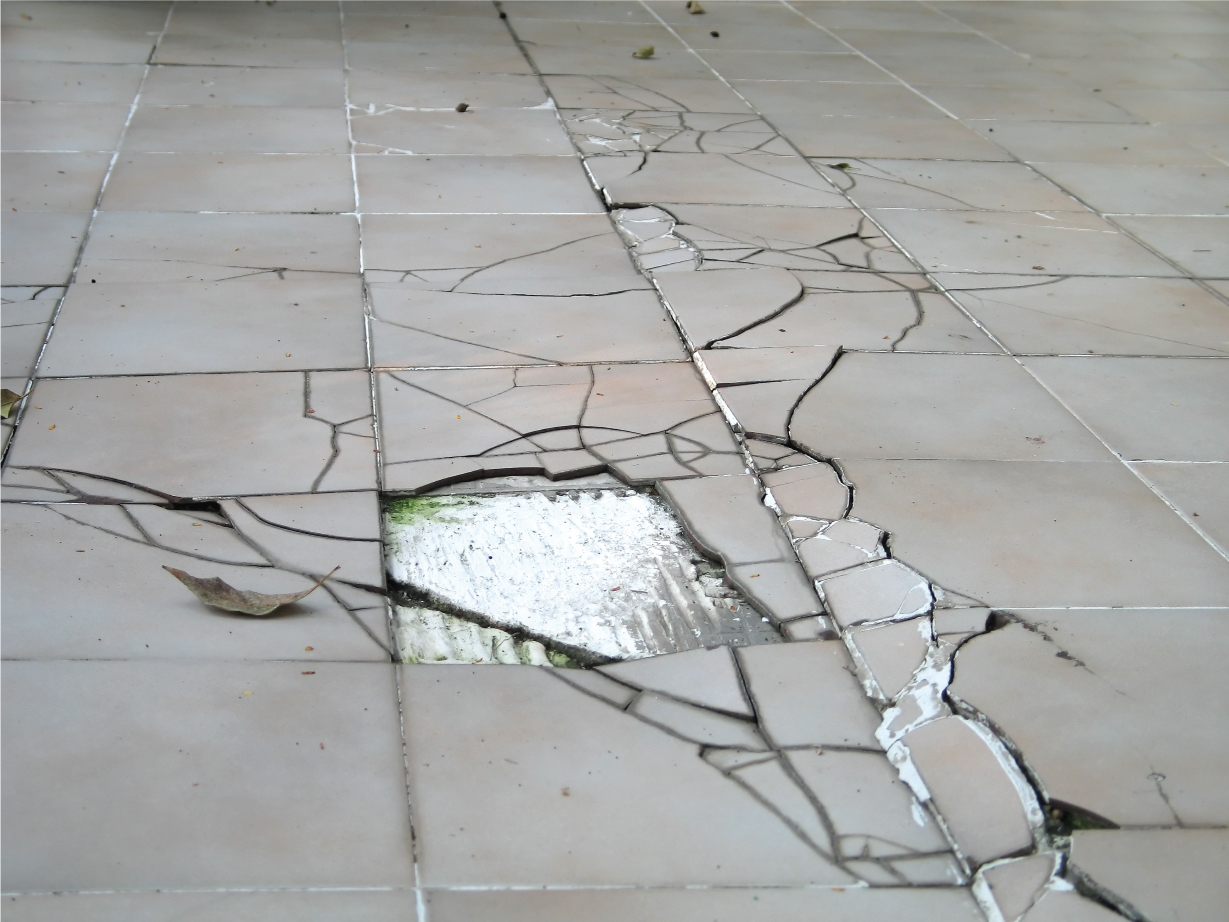 Cara Mengatasi Dinding Retak Ceramic Tile Dislodged And Popped Up After Installation Here S