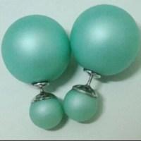 Jewelry | Celebrities Pearl Stud Earrings | Poshmark