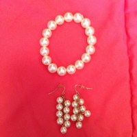 Pearl bracelet and earring set OS from Samantha's closet ...