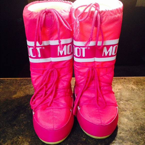 63 Off Moon Boot Boots Pink Moon Boots Snow Boots From