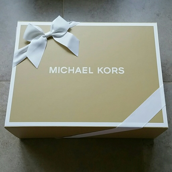 Michael Kors Accessories 2 Large Gift Boxes Hard Box Poshmark - large gift boxes with lids