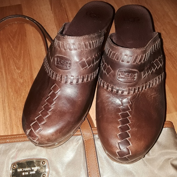 83 Off Coach Shoes Ladies Ugg Leather Clogs Size 9 From