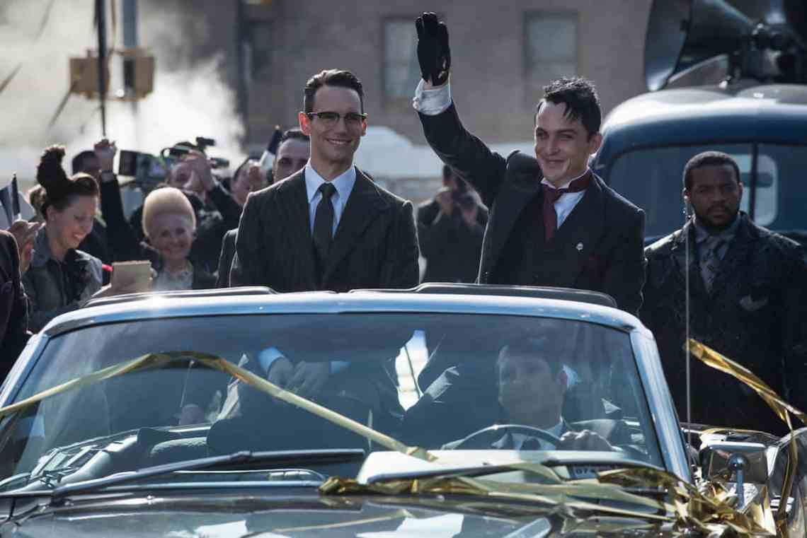 "GOTHAM: L-R: Cory Michael Smith and Robin Lord Taylor in the""Mad City: Anything For You"" episode of GOTHAM airing Monday, Oct. 17 (8:00-9:01 PM ET/PT) on FOX. ©2016 Fox Broadcasting Co. Cr: Jeff Neumann/FOX."