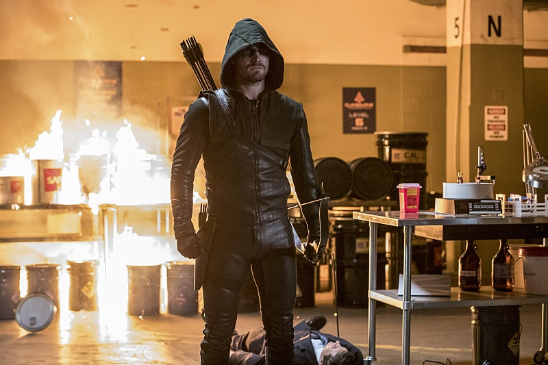 "Arrow -- ""What We Leave Behind"" -- Image AR509b_0060b.jpg -- Pictured: Stephen Amell as Oliver Queen/The Green Arrow -- Photo: Jack Rowand/The CW -- © 2016 The CW Network, LLC. All Rights Reserved."