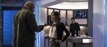 "DC's Legends of Tomorrow --""The Legion of Doom""-- LGN210a_0022.jpg -- Pictured (L-R): Dominic Purcell as Mick Rory/Heat Wave, Christina Brucato as Lily Stein and Brandon Routh as Ray Palmer/Atom -- Photo: Katie Yu/The CW -- © 2017 The CW Network, LLC. All Rights Reserved"