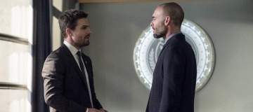 "Arrow -- ""Bratva"" -- Image AR512a_0016b.jpg -- Pictured (L-R): Stephen Amell as Oliver Queen and Paul Blackthorne as Quentin Lance -- Photo: Cate Cameron/The CW -- © 2017 The CW Network, LLC. All Rights Reserved."