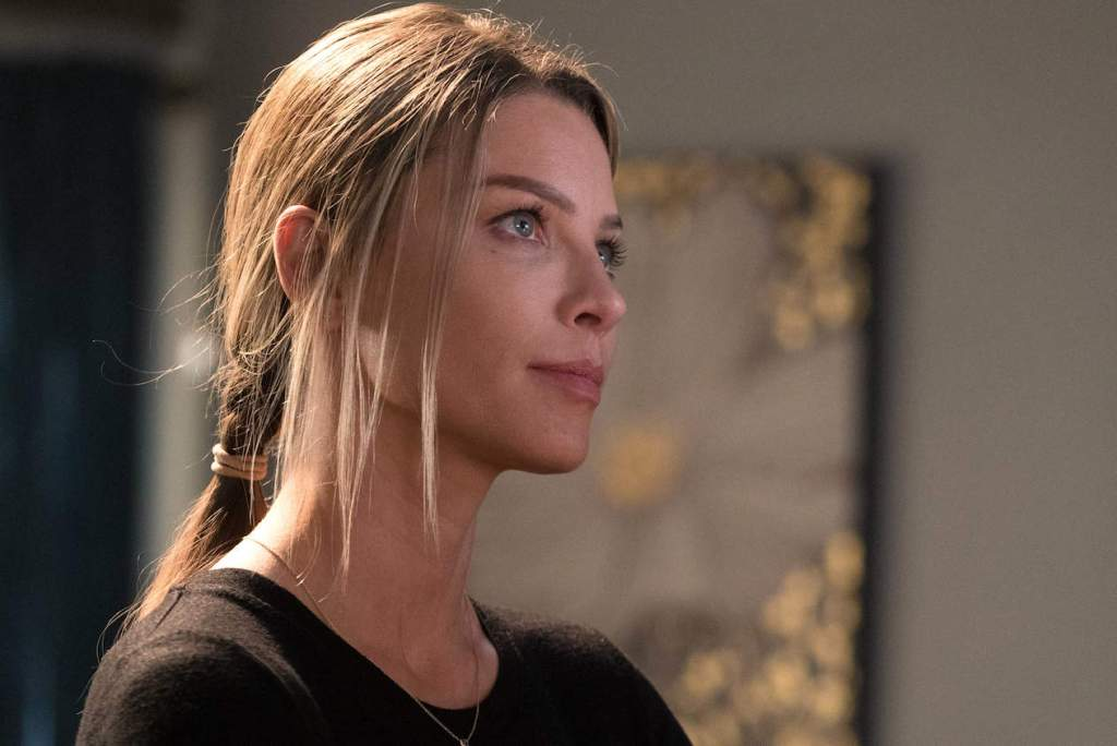"""LUCIFER: Lauren German in the """"Candy Morningstar"""" spring premiere episode of LUCIFER airing Monday, May 1 (9:01-10:00 PM ET/PT) on FOX. Cr: FOX"""