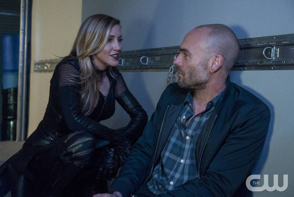"Arrow -- ""Missing"" -- Image AR522a_0164b.jpg -- Pictured (L-R): Katie Cassidy as Laurel Lance/Black Canary and Paul Blackthorne as Quentin Lance -- Photo: Katie Yu/The CW -- © 2017 The CW Network, LLC. All Rights Reserved."